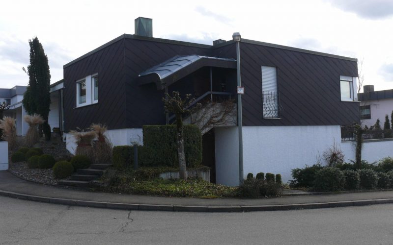 Verkauf eines Einfamilienhauses mit Einliegerwohnung
