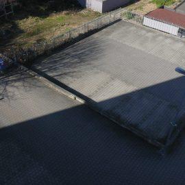 beschrankter Parkplatz