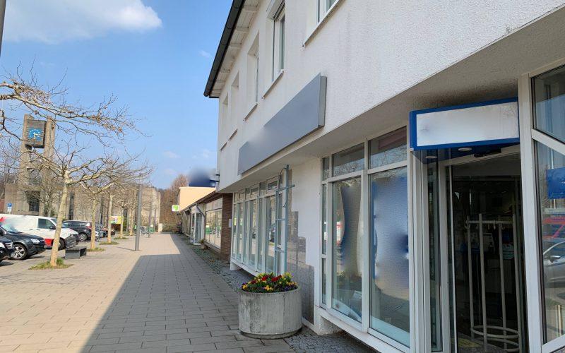 Ladengeschäft, Praxisräume oder Büro in repräsentativem Gebäude