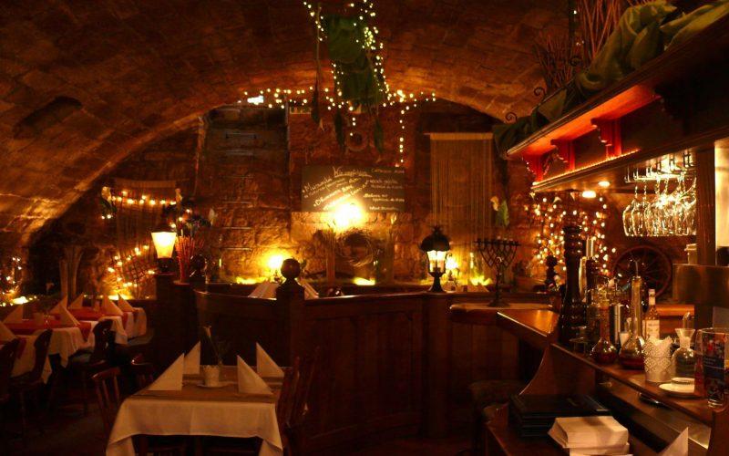 Restaurant in Kellergewölbe / Denkmalschutz / besondere Atmosphäre