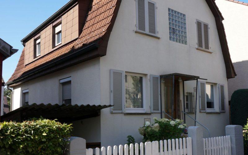 Freistehendes Ein- bis Zweifamilienhaus