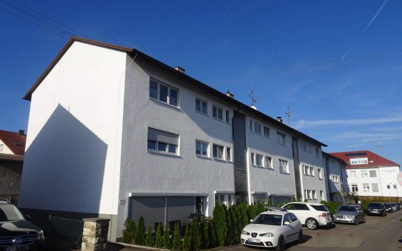 Gepflegtes 6-Familien-Haus / 4 Garagen /  2 Stpl. / Lagerräume / gut vermietet / zentral