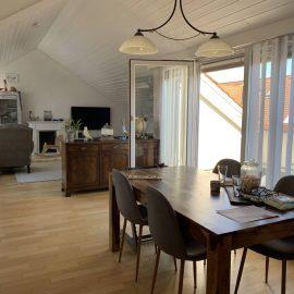 Wohn-/Essbereich mit 2 Balkonen