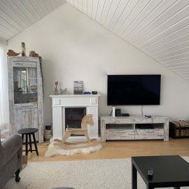 weiß lackierte Holzdecken