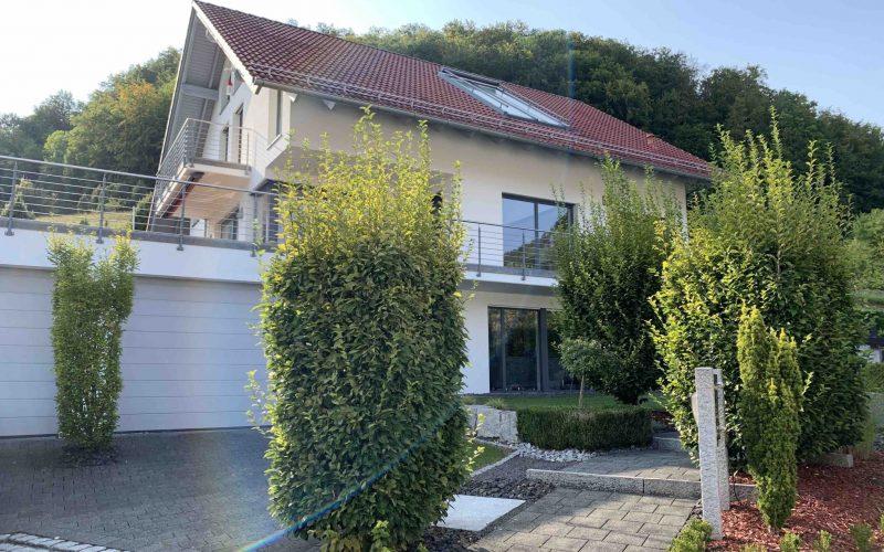 Exklusives Einfamilienhaus mit ELW, Aussichtslage, frei