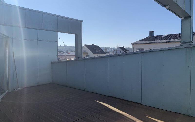4-Zi-Wohnung in Gewerbeobjekt OG / großer, nicht einsehbarer Balkon / 1 Stellplatz