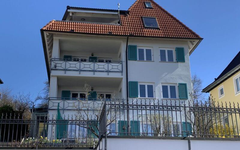 Großzügige 4-Zi.-Wohnung im 1.OG mit Balkon  / Fernsicht / Garagenstellplatz