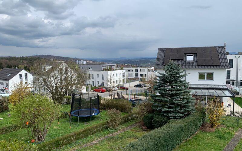 2-Zi.-Wohnung in 4-FH  mit Balkon und Stellplatz