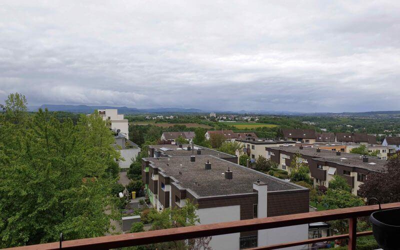 3,5-Zi-Wohnung fantastische Aussicht / großer Balkon / TG-Stellplatz